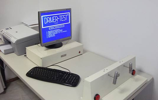 Aparato Driver-Test, empleado para el reconocimiento de conductores.